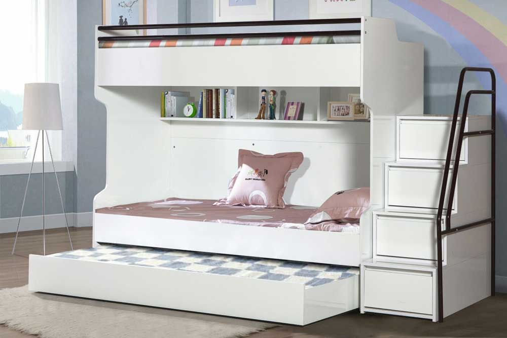 With Elegant Features This Triple Bunk Bed Is Perfect For