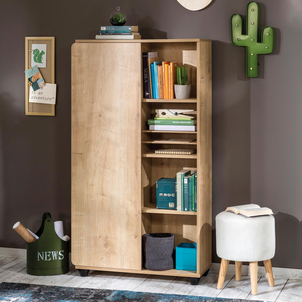Compact High-End Kids Bookcase
