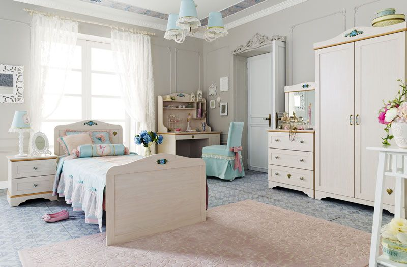 teen girl bedroom sets with bold floral theme for a teen