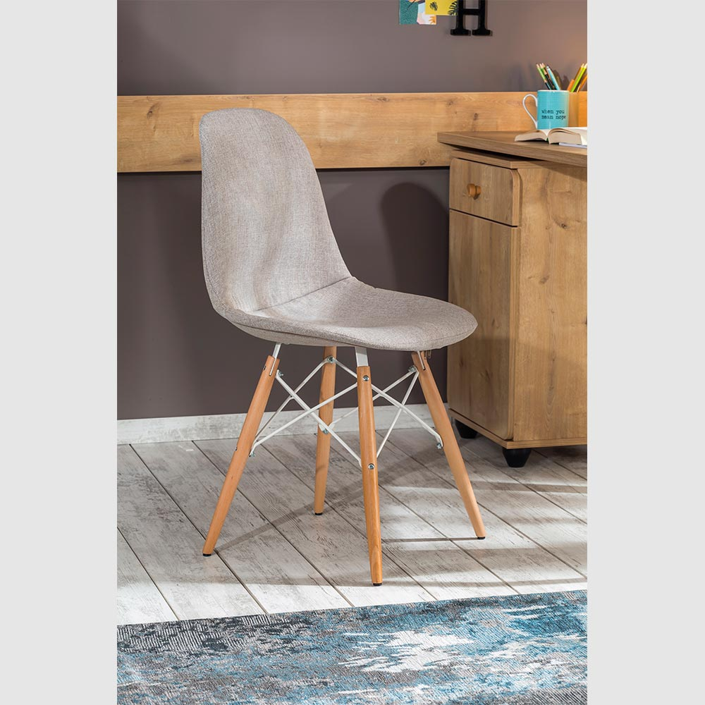 Brilliantly Curved Kids Desk Chair