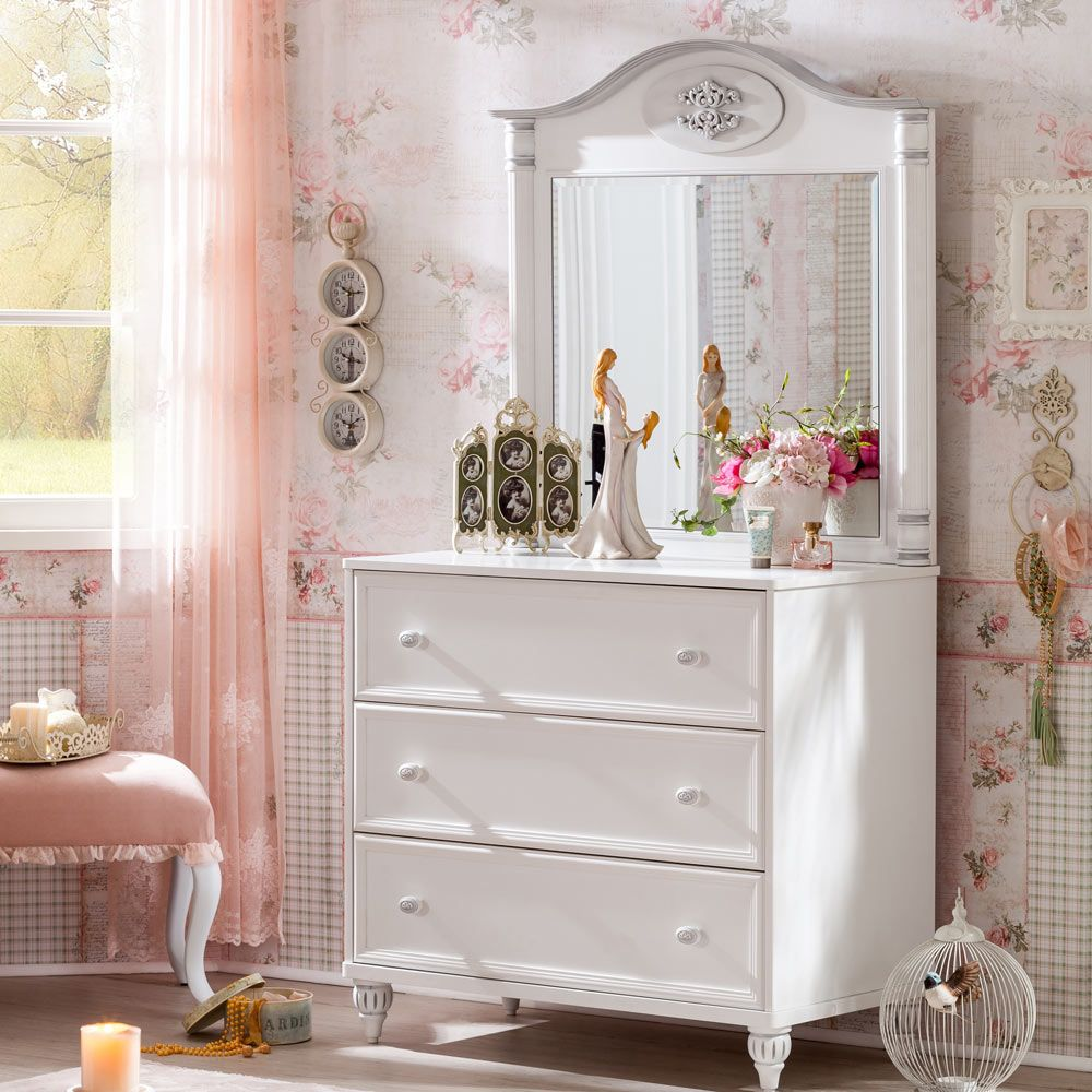 Romantic Mirrored Chest Of Drawers