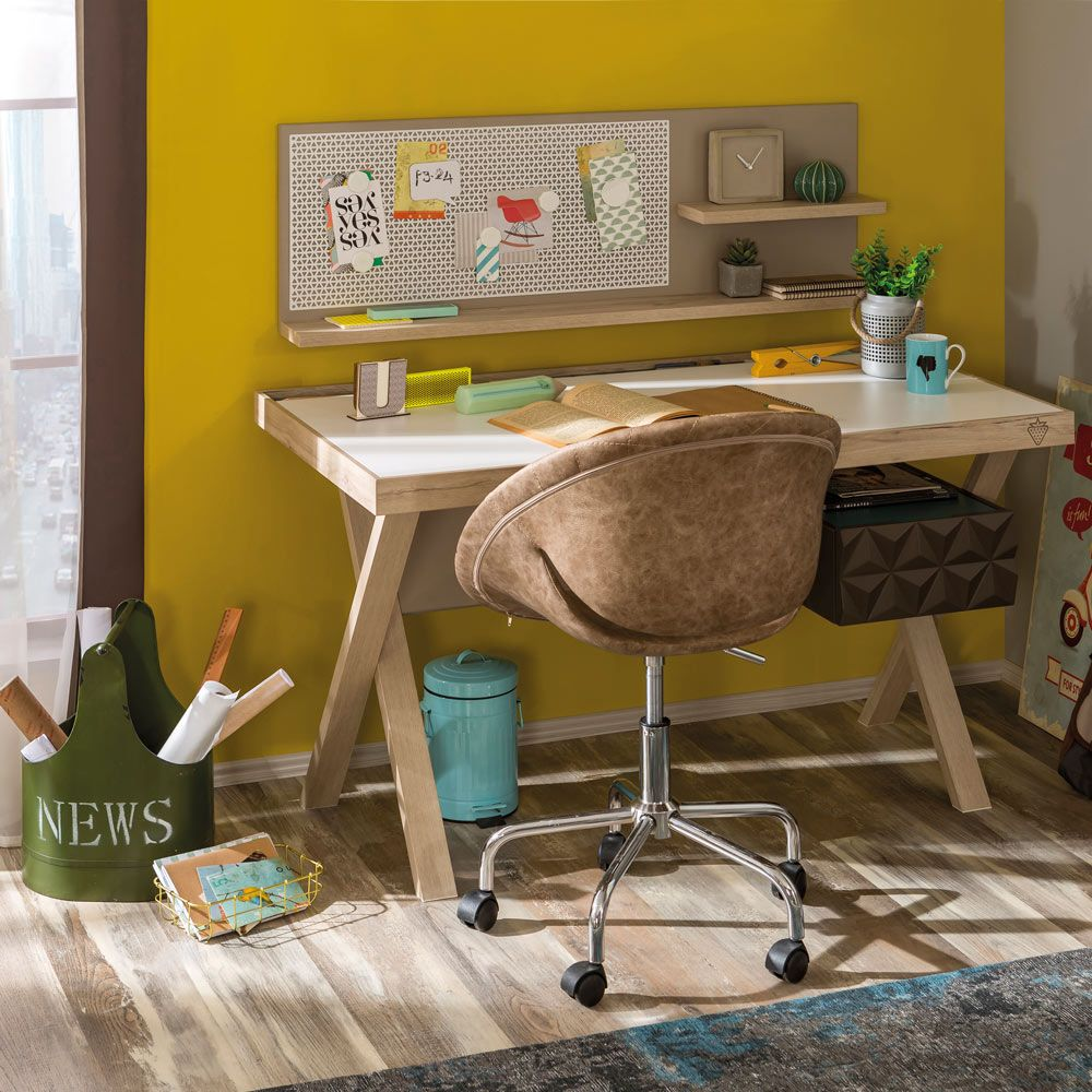Lofter Clutter-Free Teen Desk